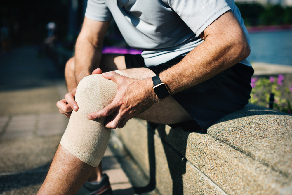 knee pain, avoiding knee surgery, knee osteoarthritis