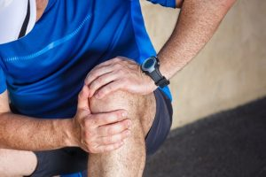 Knee osteoarthritis (OA) natural treatment at Oregon Regenerative Medicine